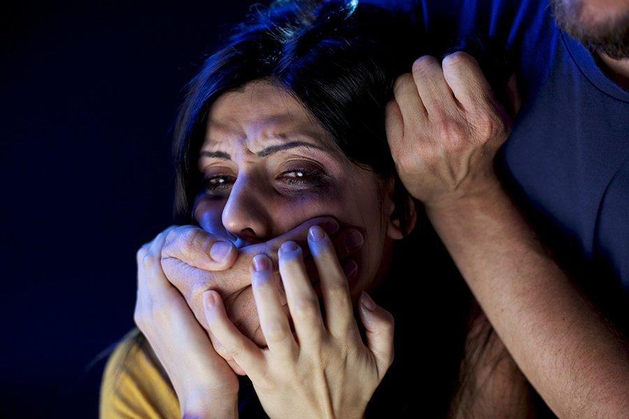 Гражданин Севска избил допотери сознания женщину иизнасиловал ее