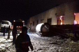 В поселке Супонево ночью горел склад с пиломатериалами