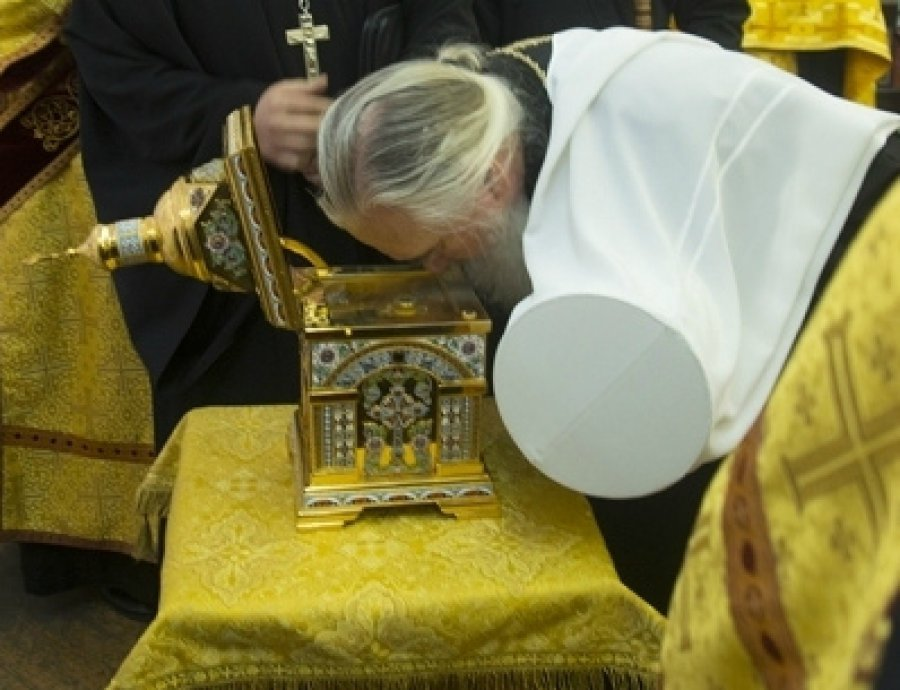 ВБрянск доставили ковчег смощами святителя Пантелеймона