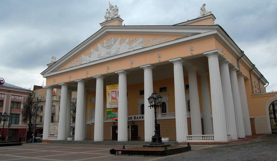 """Брянцев пригласили на премьеру спектакля """"Эшелон"""""""