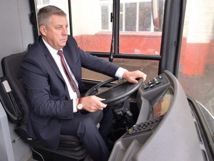 Александр Богомаз пообещал приобрести для Брянска 60 новых автобусов