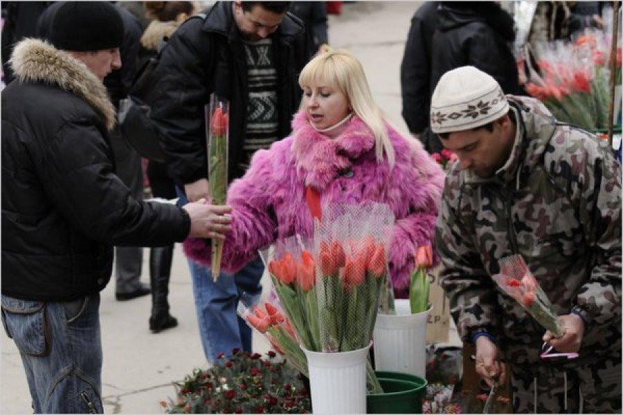 В Брянске определили места продаж цветов к 8 Марта