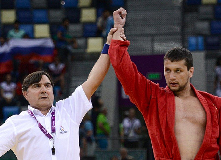 Брянский самбист Осипенко стал шестикратным чемпионом России