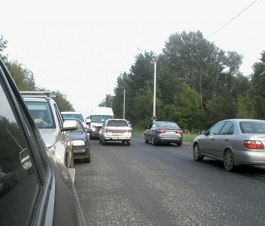 В Брянске водитель решил проучить маршрутчика-нарушителя