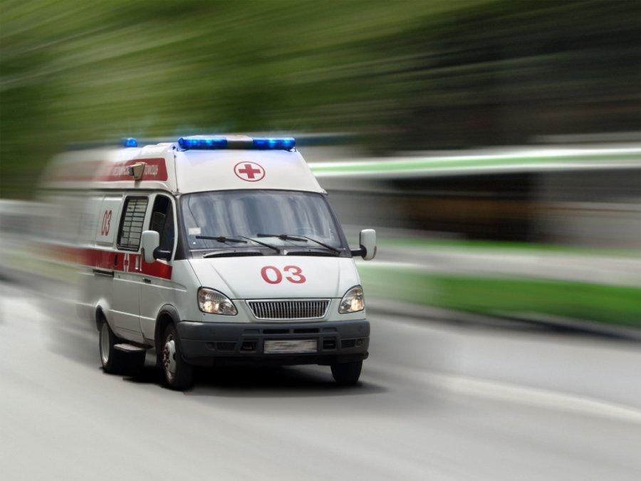 ВБрянске иностранная машина врезалась вавто исбила бабушку наобочине