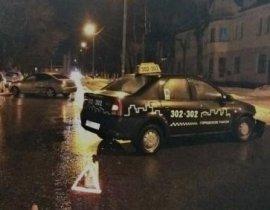 В Брянске в ДТП с участием такси 4-летнего малыша спасло кресло