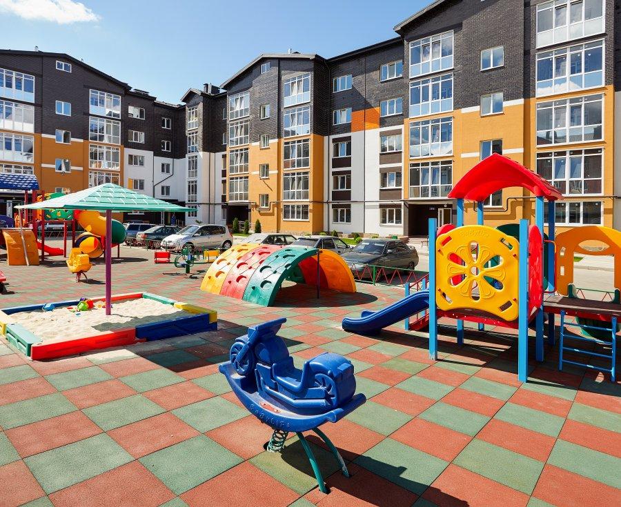 Под Брянском компания «Школа-сад» установила одну из лучших детских площадок