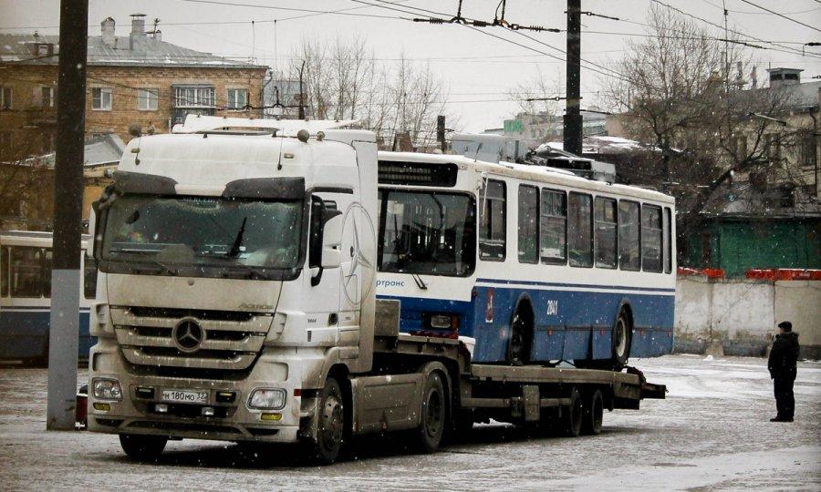 В Брянск привезли списанные троллейбусы из Москвы