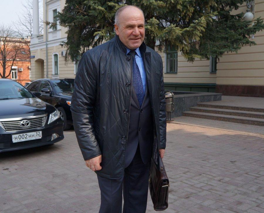 Депутаты Брянской облдумы покупают ковры за 215 тыс. рублей