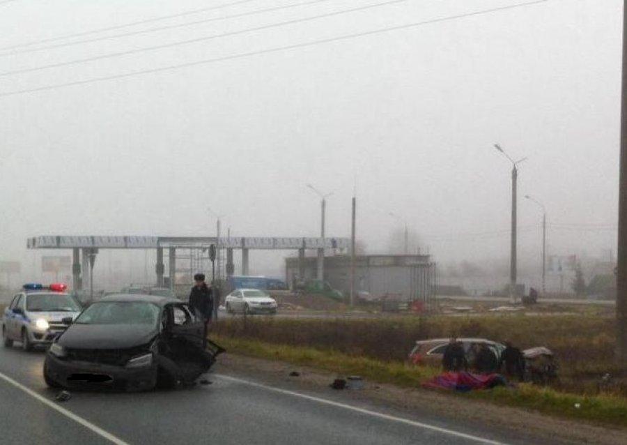 Под Брянском шофёр Фольксваген столкнулся с Киа и умер