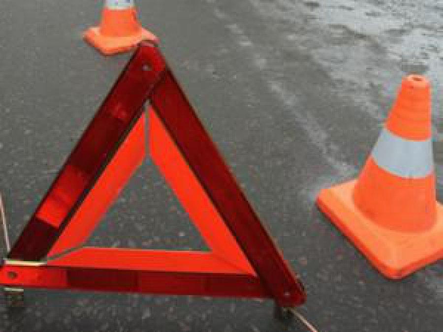 Аварийный четверг: вВолодарке шофёр «ВАЗа» незаметил девушку на«зебре»