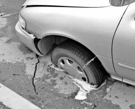 Брянские гаишники рассказали, как уберечь машину на плохой дороге