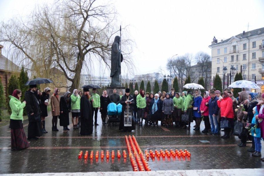 ВБрянске проходит акция впамять опогибших при взрыве в северной столице