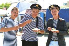 Брянцев на День ВМФ угостят макаронами по-флотски