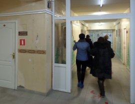Пациенты Брянского клинико-диагностического центра шокированы разрухой