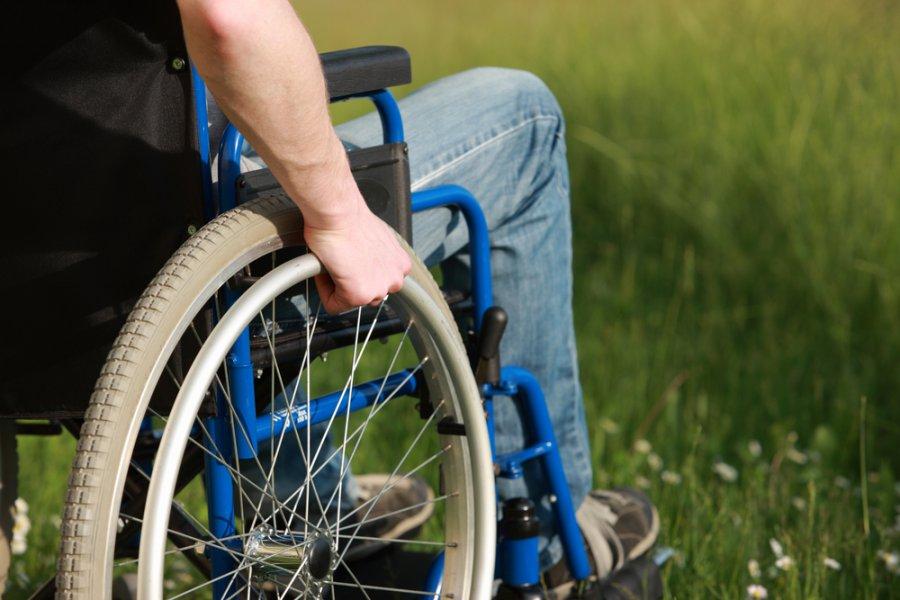 Брянское руководство  обвинили внеэффективности закупок колясок для людей сограниченными возможностями