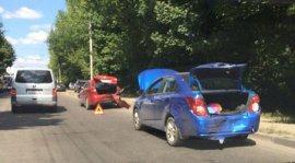 На выезде из Бежицы столкнулись четыре автомобиля