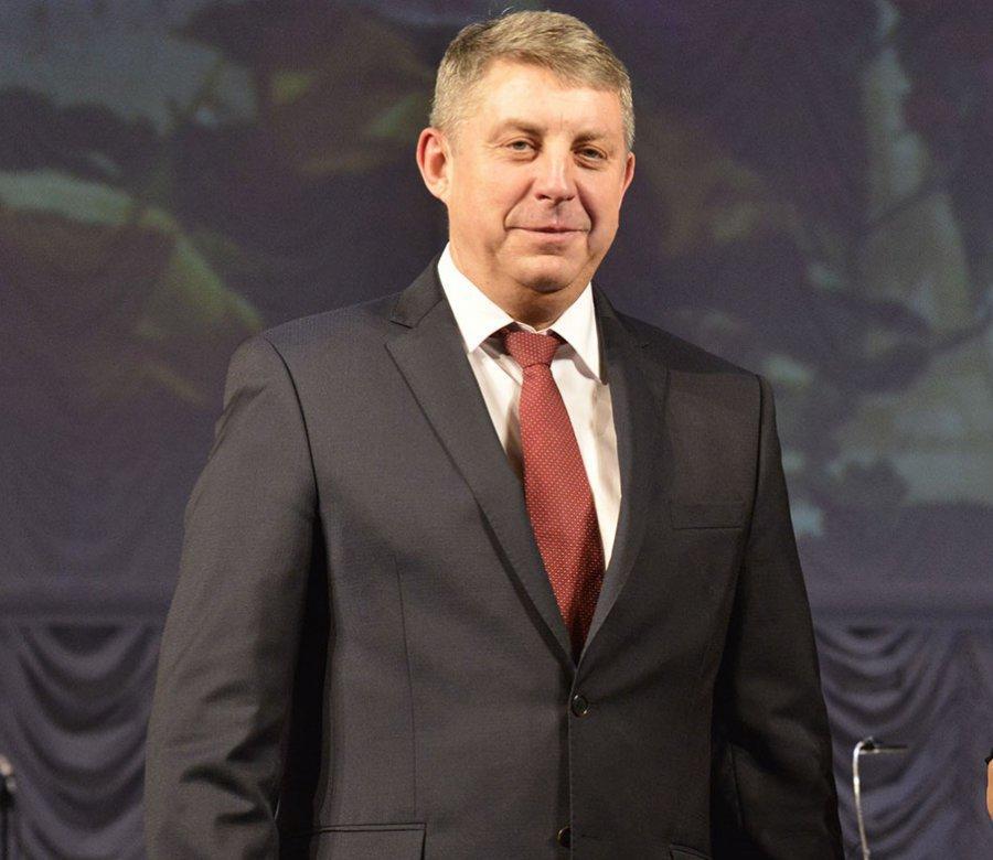 Брянский губернатор заработал 3,6 миллиона, его супруга - 864 миллиона руб.
