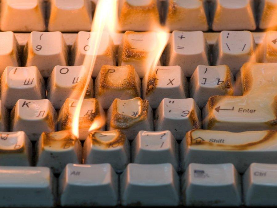 Вбрянской квартире зажегся компьютер: имеется пострадавший