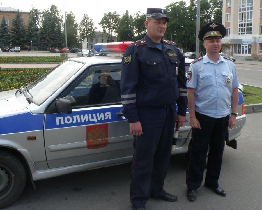 Под Брянском водитель мопеда хотел подраться с сотрудниками ГИБДД