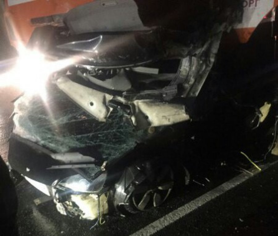 Надороге Брянск— Новозыбков КАМАЗ раздавил легковую машину, шофёр умер
