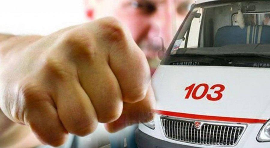 Брянского дебошира ожидает суд заизбиение водителя «Скорой помощи»