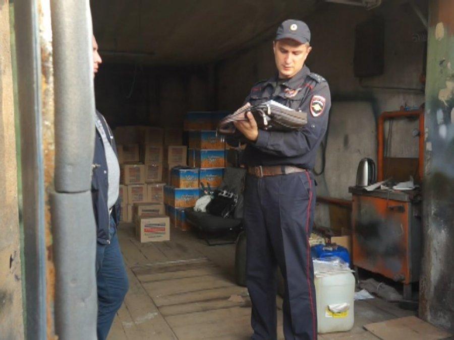 Спирт  споддельными акцизными марками отыскали  вбрянском гараже