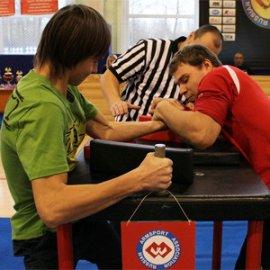 Брянские атлеты привезли три медали с чемпионата по армспорту