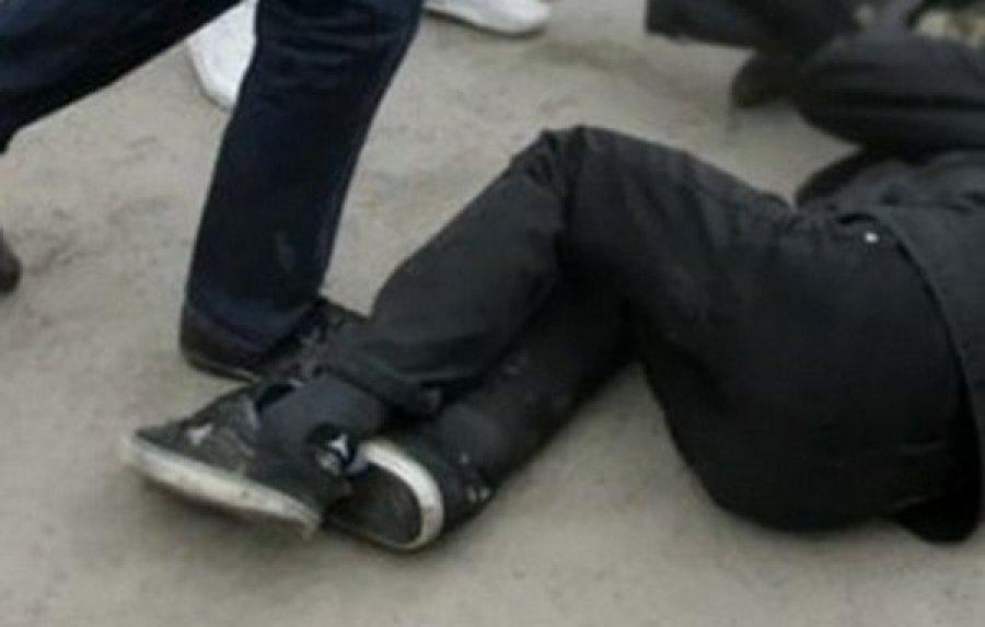 Двое нетрезвых мужчин избили иограбили прохожего вКлинцах