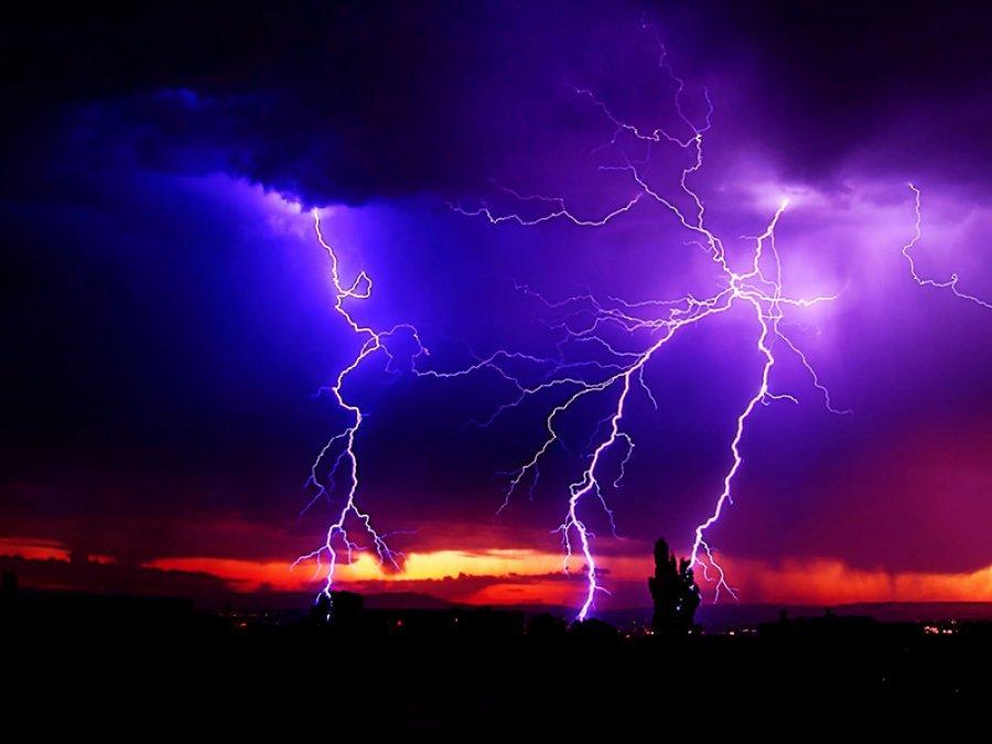 Прогнозируемая гроза установила вБрянской области «жёлтый» уровень опасности