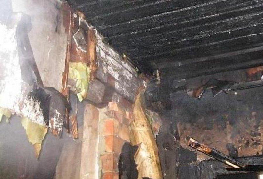 В Навлинском районе гроза спалила летнюю кухню