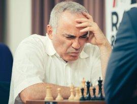 Брянский шахматист Ян Непомнящий победил Гарри Каспарова