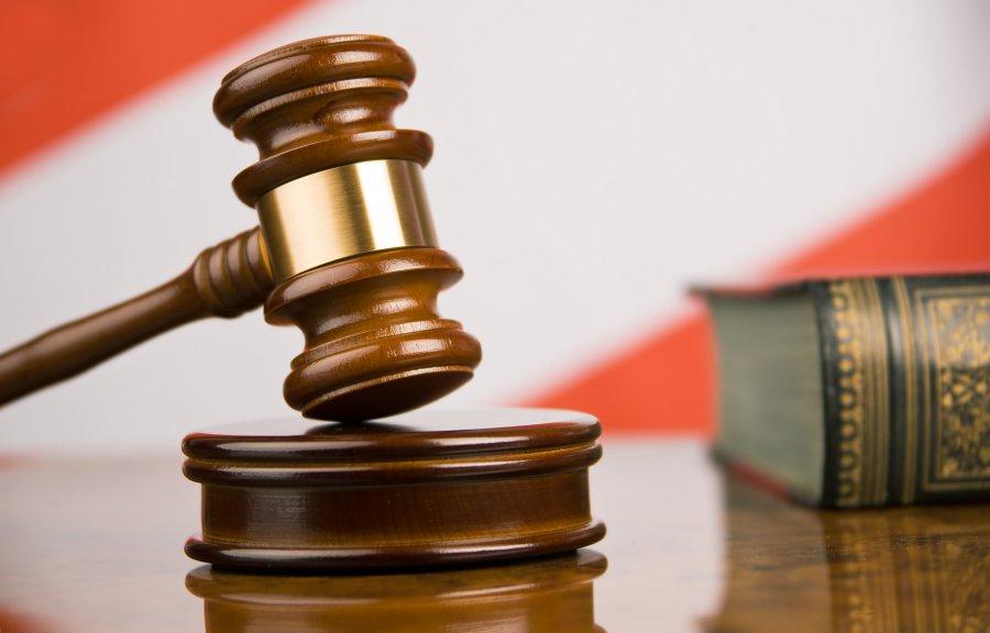 Суд ограничил свободу брянскому шоферу заопасный обгон