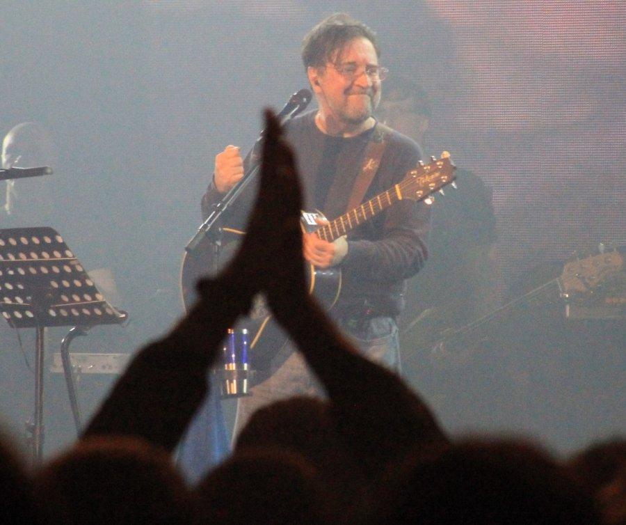 В Брянске на концерте ДДТ вспомнили легендарных музыкантов питерского рок-клуба