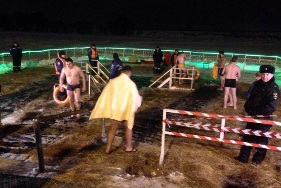 МЧС поВоронежской области распространило фото ивидеоотчёт смест крещенских купаний