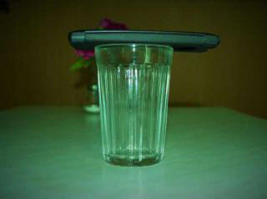 Брянской жертве интернет-торговли вместо айфона прислали стакан