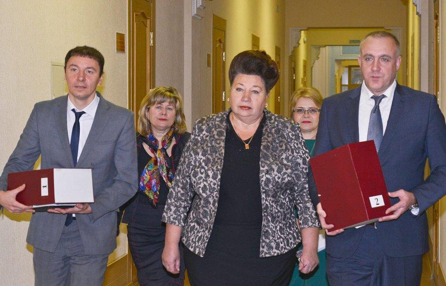 ВБрянскую облдуму торжественно внесли проект нового бюджета