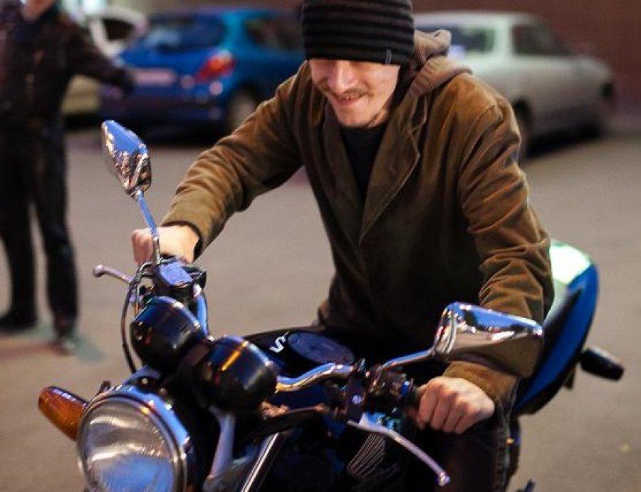 ВКлинцах безработный похитил мопед и3 велосипеда