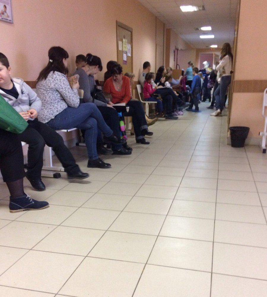 4 поликлиника в красноярске адреса