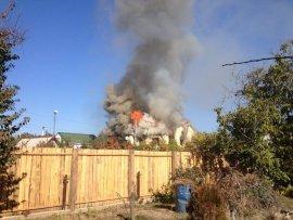 В Бежицком районе Брянска горел частный дом