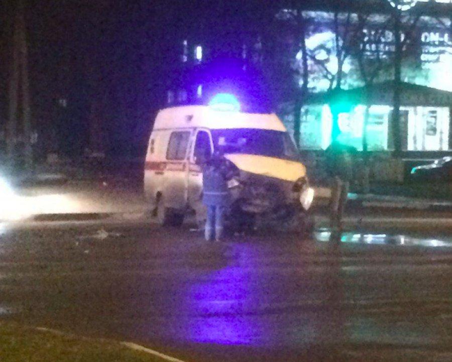 ВБрянске вДТП сучастием «скорой помощи» ранена 26-летняя девушка