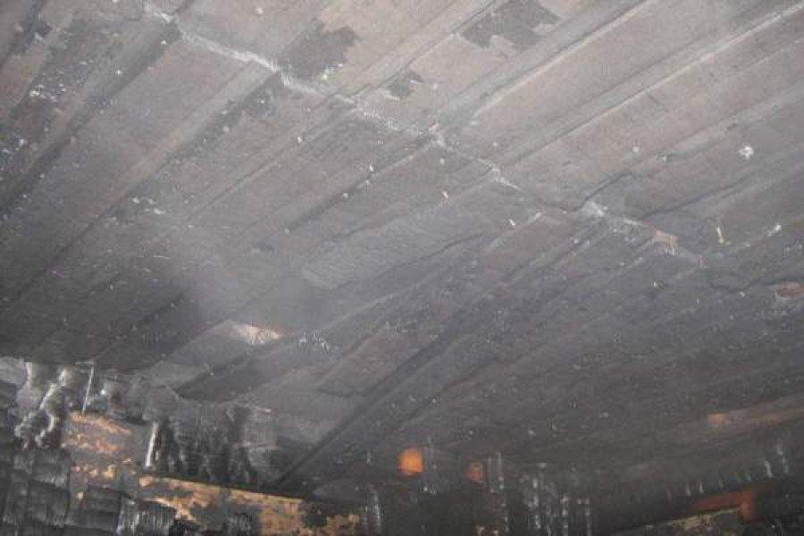 В Дятьковском районе сгорела деревянная баня