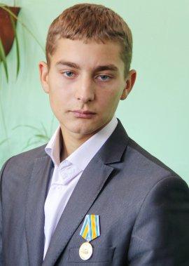 Студента брянского техникума наградили медалью за спасение ребенка