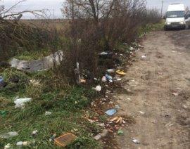 В Брянске водители маршруток №99 загадили конечную остановку