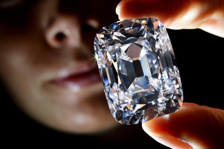 ВБрянске осудили известного ювелира, который вез бриллианты на22 млн. руб.
