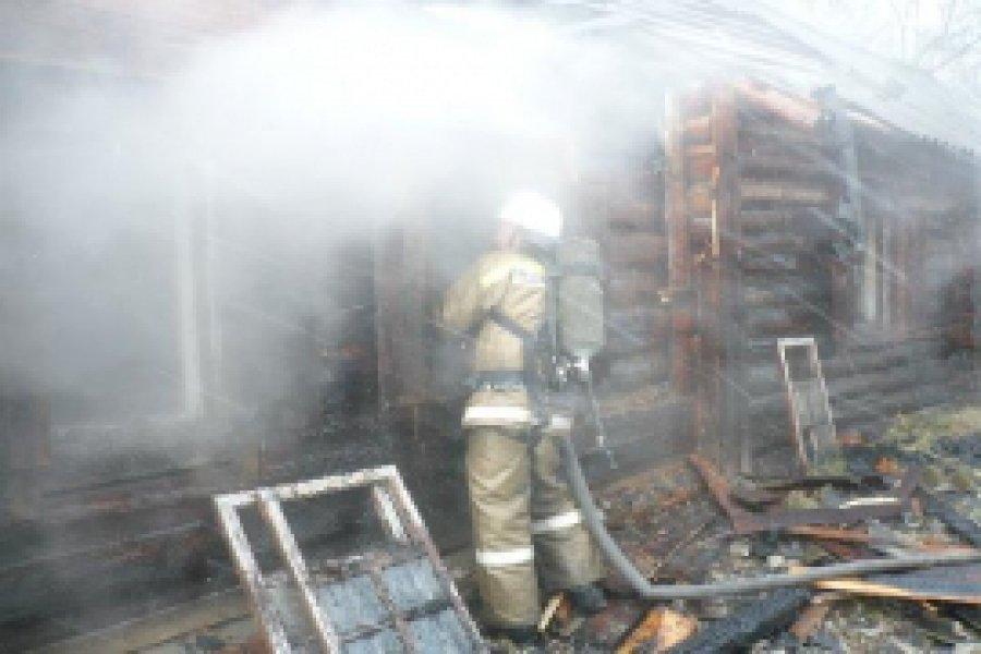 В брянской деревне сгорел жилой дом: есть пострадавший
