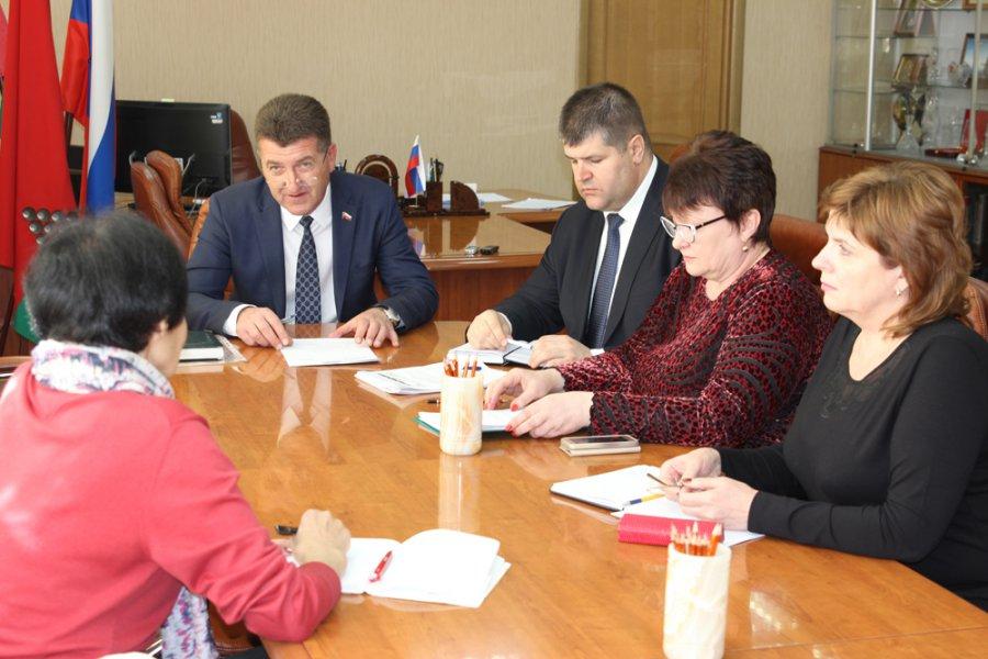 Власти Брянска клятвенно обещали не торговать Центральный рынок