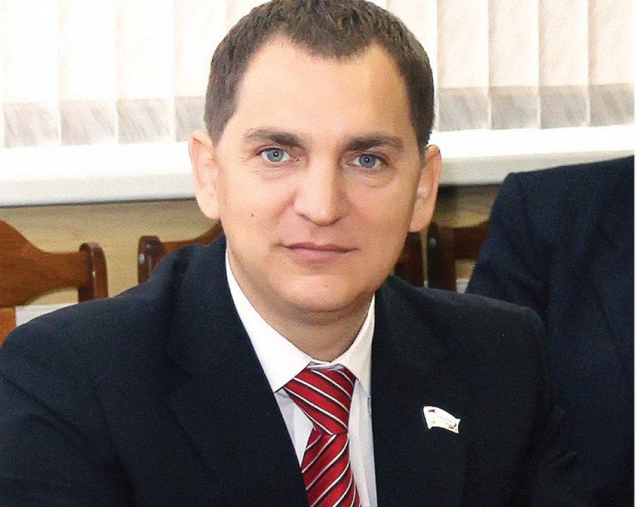 В Брянске бой депутата-единоросса и активиста КПРФ сняли на видео