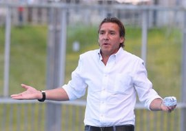 Звезда киевского «Динамо» Юран назвал говном газон брянского стадиона