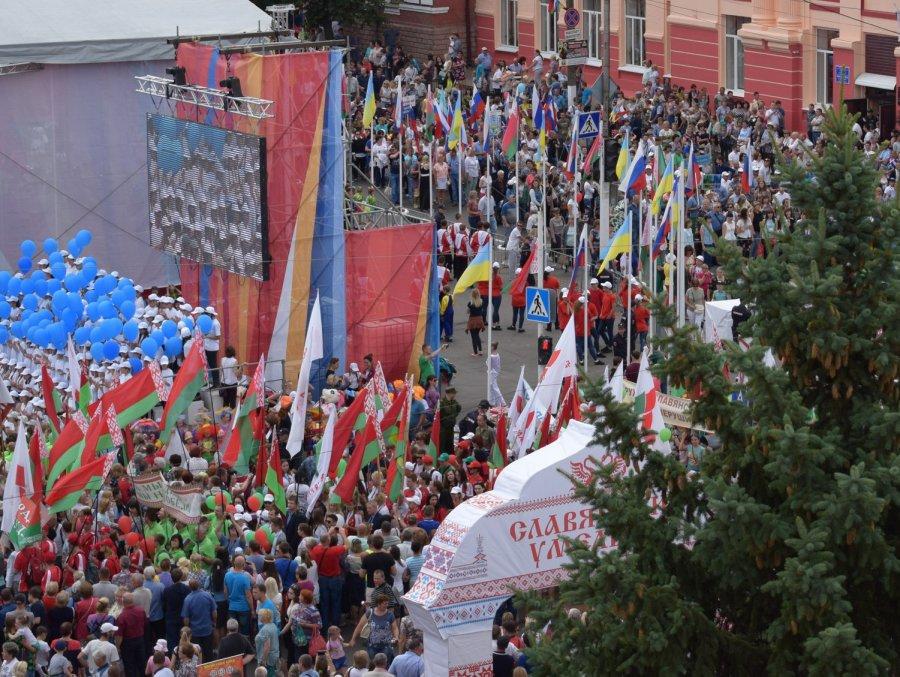 Это было нечто потрясающее: жительница Брянска о фестивале «Славянское единство»